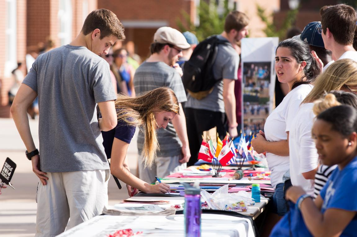 working with student organizations Below is a list of current social work student organizations we list the social work student union first because this registered student organization has a vote at all school meetings where policies are voted upon.