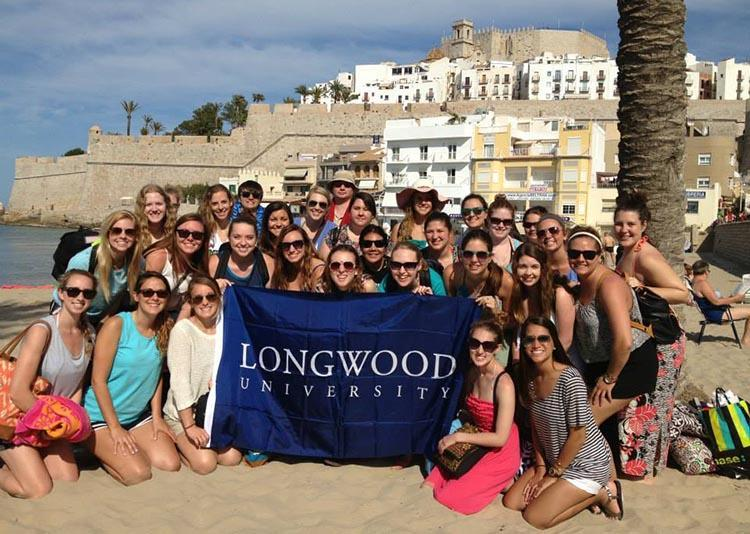 Longwood students studying abroad in Spain
